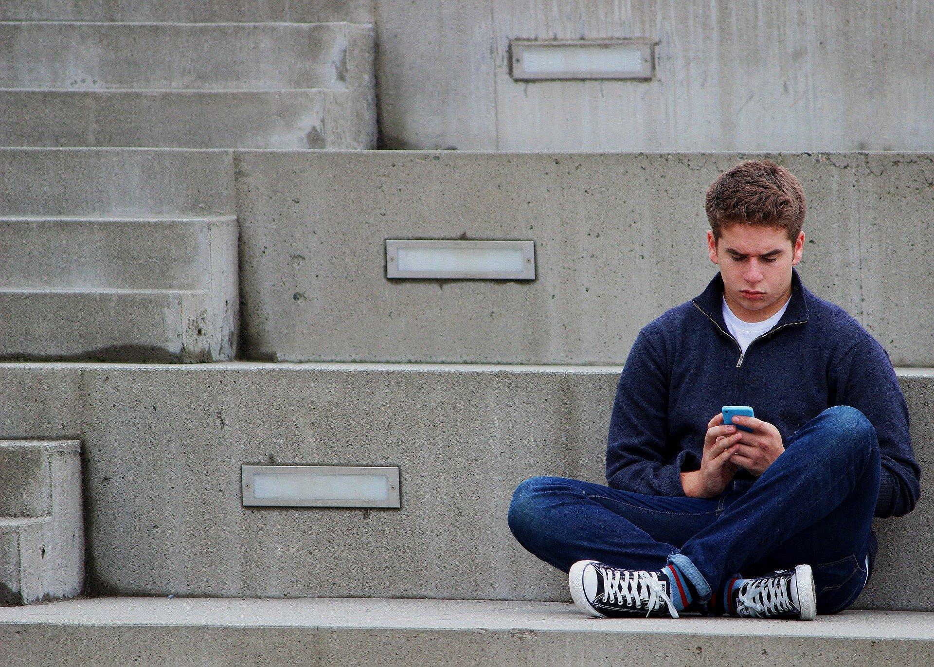 Superar conflito entre pais e filhos adolescentes